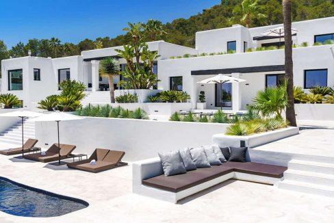 Garden and pool 5 - eivipvillas