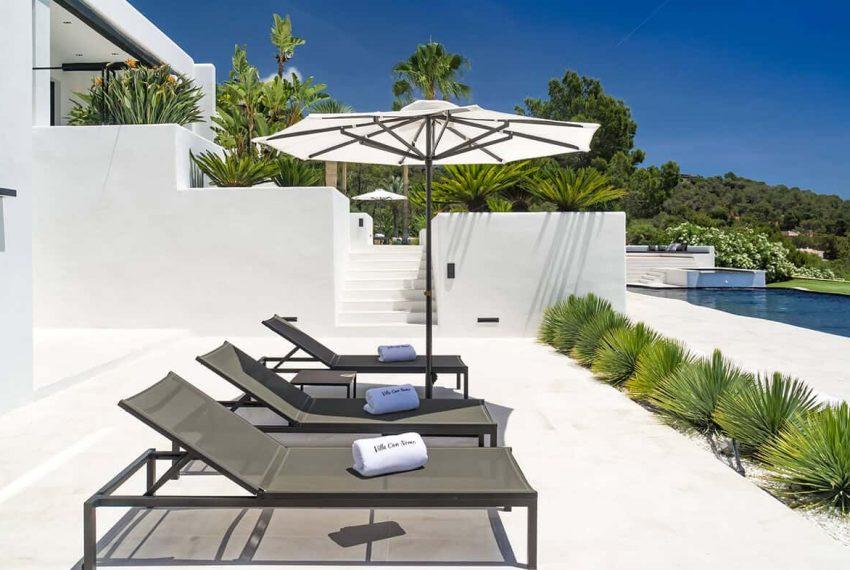 Garden and pool 6 - eivipvillas