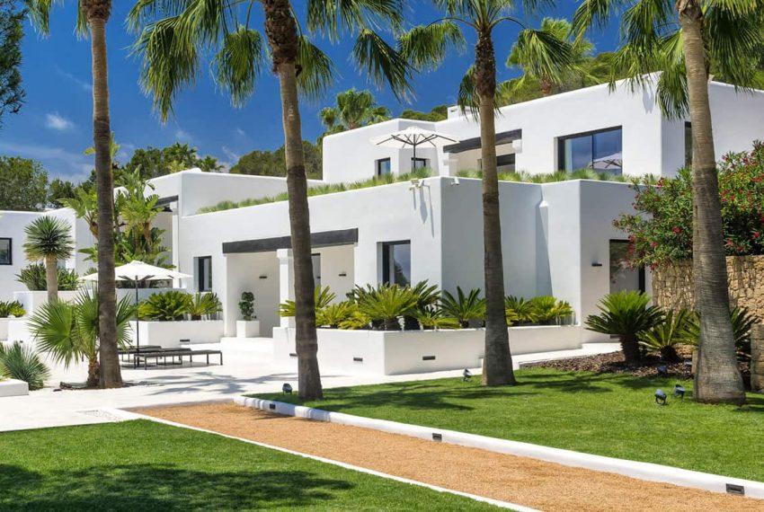 Garden and pool 7 - eivipvillas