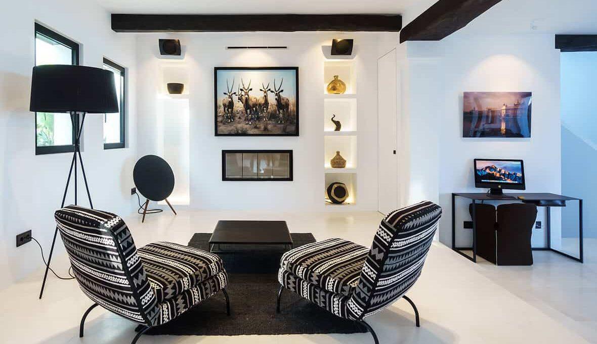 Living Room 1 - eivipvillas